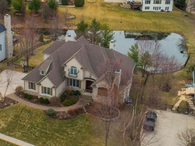 Bettendorf Single Family Home For Sale: 6843 Still Creek Pass