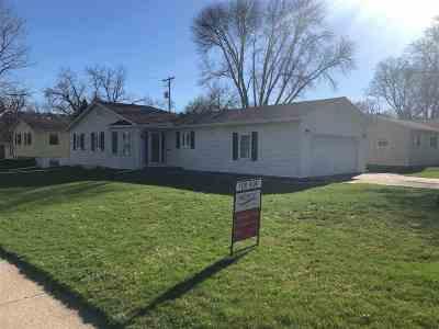 bettendorf Rental For Rent: 1624 18th Street