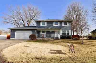 Davenport IA Single Family Home For Sale: $268,000