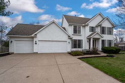bettendorf Single Family Home For Sale: 2624 Rose Hill Avenue