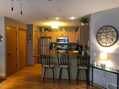 bettendorf Condo/Townhouse For Sale: 4165 Mallard Court