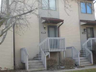 bettendorf Condo/Townhouse For Sale: 3326 N Willow Court