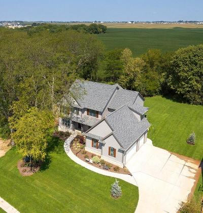 Bettendorf Single Family Home For Sale: 6834 Grover Station