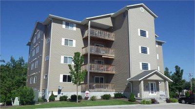 Bettendorf Condo/Townhouse For Sale: 4127 Creek Hill Drive