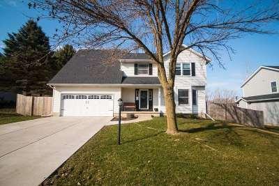 Eldridge Single Family Home For Sale: 105 Blackhawk Drive