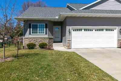 Eldridge Condo/Townhouse For Sale: 126 W Pinehurst Drive