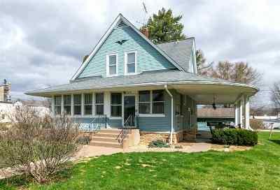 Single Family Home For Sale: 204 E Durant Street