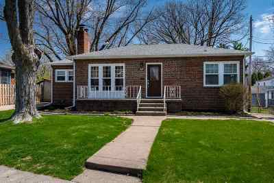 Davenport Single Family Home For Sale: 1637 Broadlawn Avenue