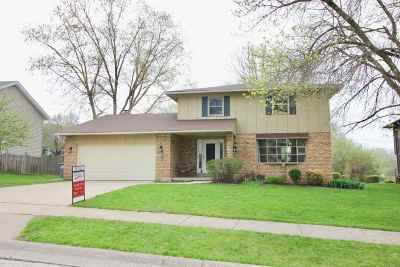 Bettendorf Single Family Home For Sale: 2595 New Lexington Drive
