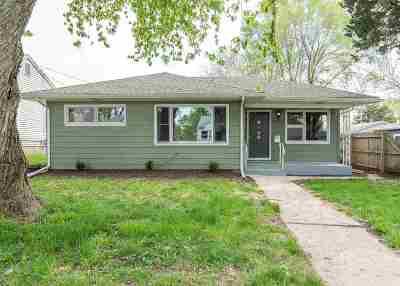 bettendorf Single Family Home For Sale: 2549 Cody Street