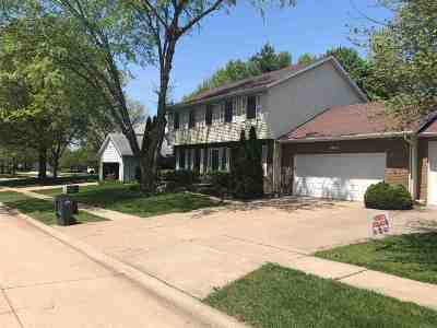 bettendorf Rental For Rent: 3532 Woodberry Place