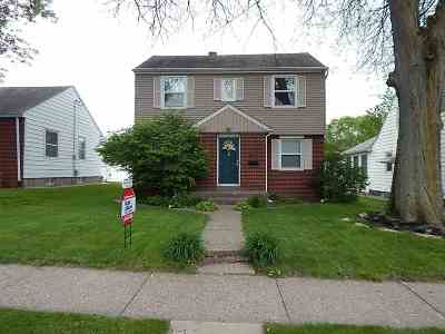 bettendorf Single Family Home For Sale: 619 6th Street