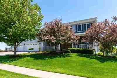 bettendorf Single Family Home For Sale: 6249 Buckskin Trail