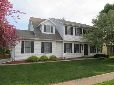 bettendorf Single Family Home For Sale: 2655 Chesterfield Drive