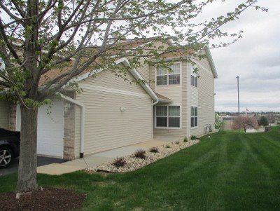 Rockford Condo/Townhouse For Sale: 5136 Diane Court