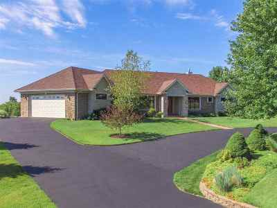 Rockford Single Family Home For Sale: 521 Schauer Lane