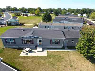 Belvidere Single Family Home For Sale: 270 Fox Ln