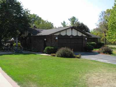 Loves Park IL Single Family Home For Sale: $259,000