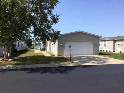 Boone County Single Family Home For Sale: 2107 Iris Ave
