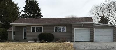 Ogle County Single Family Home For Sale: 995 N Ridge Road