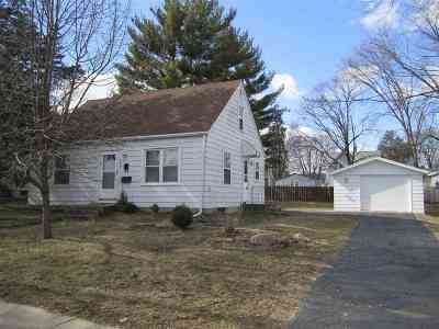 Boone County Single Family Home For Sale: 527 W Perry