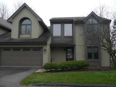 Loves Park Condo/Townhouse For Sale: 5823 Meadows Edge Close