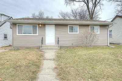 Loves Park Single Family Home For Sale: 822 River Lane