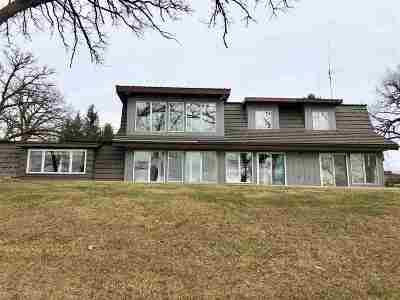 Ogle County Single Family Home For Sale: 1615 W Town Line Road