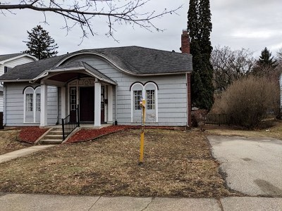 Stephenson County Single Family Home For Sale: 1521 W Harrison St