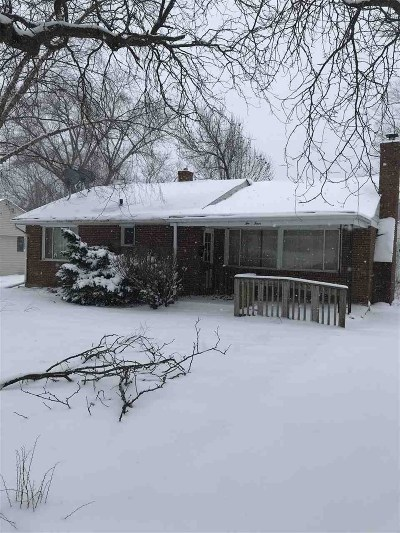 Winnebago County Single Family Home For Sale: 204 Fairview