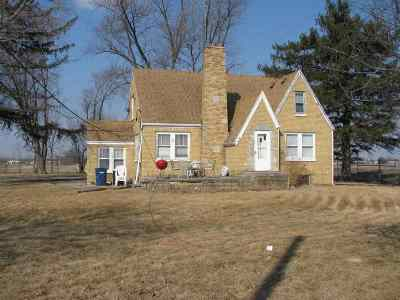 Boone County Single Family Home For Sale: 8470 Fairgrounds Road