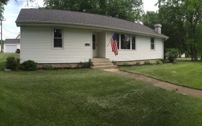 Stephenson County Single Family Home For Sale: 104 E Third