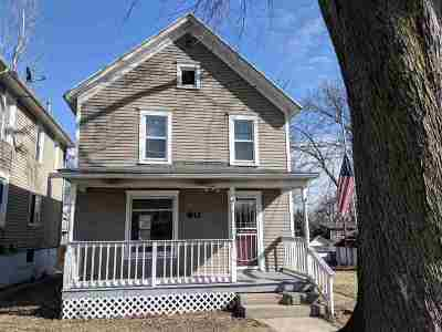 Stephenson County Single Family Home For Sale: 911 S Float Ave