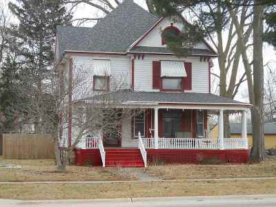 Ogle County Single Family Home For Sale: 403 S Fourth Street