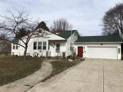 Ogle County Single Family Home For Sale: 415 W 4th Street