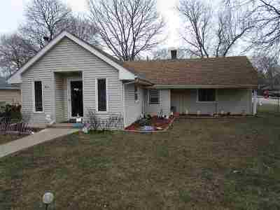 Boone County Single Family Home For Sale: 544 N Appleton Road