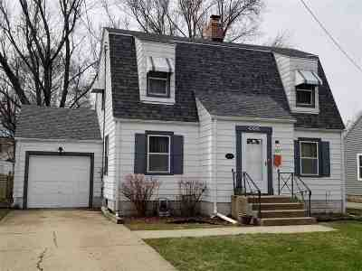 Rockford Single Family Home For Sale: 2527 15th Avenue