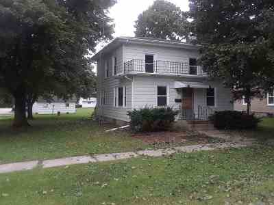 Boone County Single Family Home For Sale: 150 S 6th Street