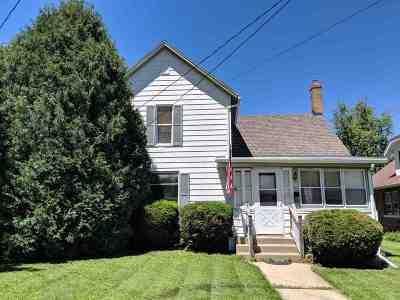 Stephenson County Single Family Home For Sale: 1206 W Harrison St