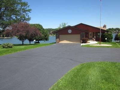 Stephenson County Single Family Home For Sale: 44 Delburne