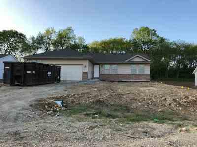 Roscoe Single Family Home For Sale: 777 Acadia Street