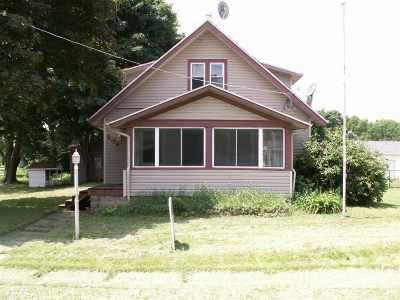 Winnebago Single Family Home For Sale: 204 N Benton Street