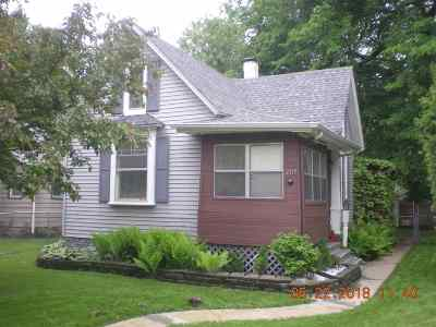 Rockford IL Single Family Home For Sale: $59,000