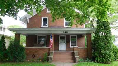 Rockford Single Family Home For Sale: 1840 Cumberland St
