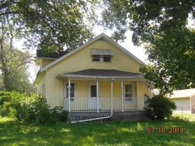 Winnebago Single Family Home For Sale: 410 N Benton Street