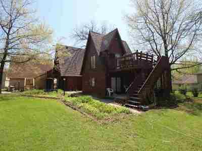 Stephenson County Single Family Home For Sale: 2703 Royal Oaks Drive