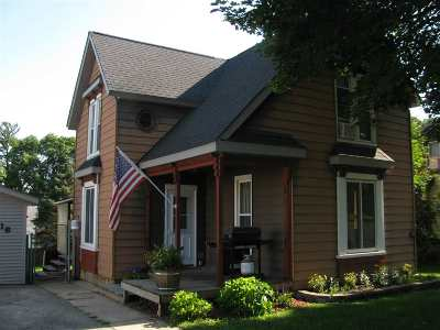 Pecatonica Single Family Home For Sale: 416 W 6th St.
