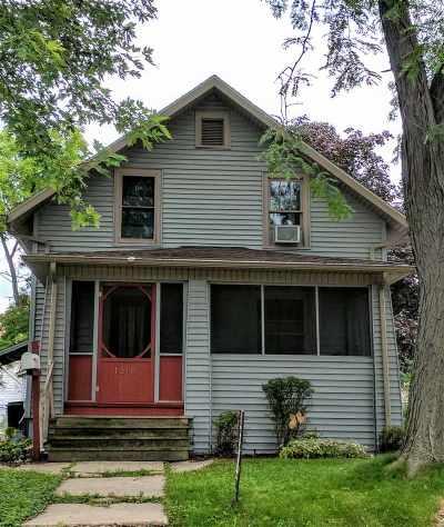 Stephenson County Single Family Home For Sale: 1216 W Logan