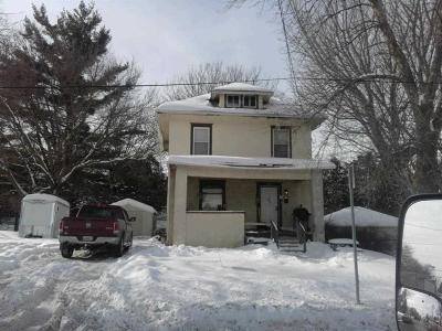 Stephenson County Single Family Home For Sale: 1214 S West
