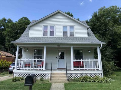 Ogle County Single Family Home For Sale: 708 Monroe Street